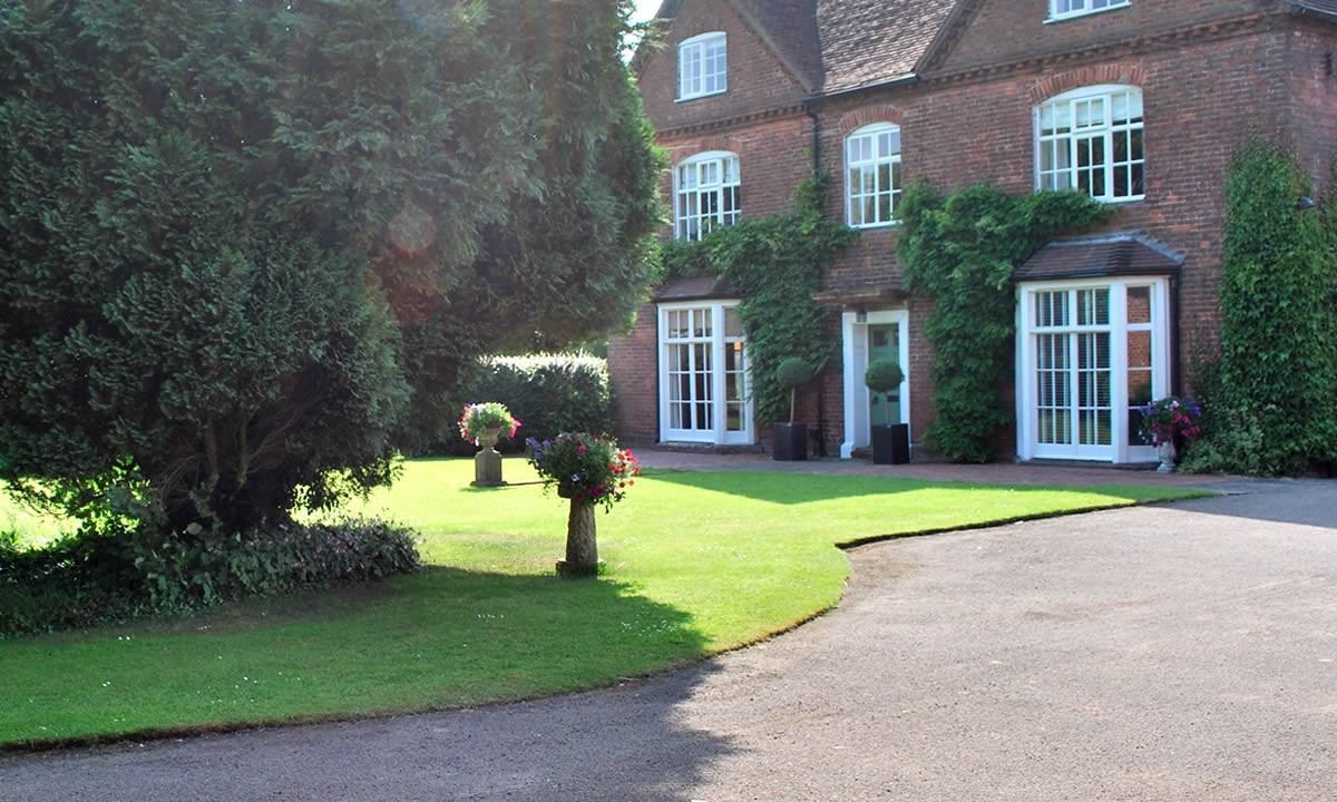 The Manor, Warwickshire